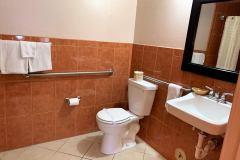 lambert-inn-whittier-hotel-ada-guestroom-6
